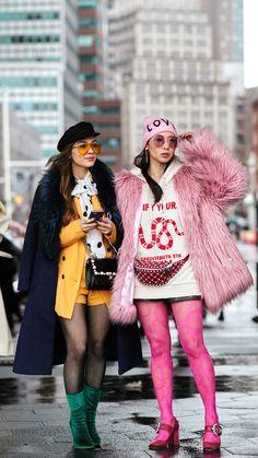 New York Fashion Week Street Style Outfit Ideas Source by monkeykissy ideas street style Look Street Style, New York Fashion Week Street Style, Street Style Trends, Fashion Blogger Style, Street Chic, Paris Street, Fashion Bloggers, Japanese Street Fashion, Korean Fashion
