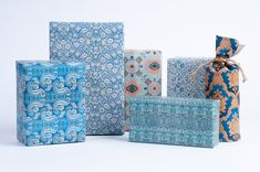 A wonderfully classic collection of vintage wrapping paper. These designs are inspired by 1800s English wallpaper art. • Size: 13 x 19 - Perfect for small to medium sized gifts • Qt. 12 Sheets (3 of each of the 4 designs) • Ships in a sturdy tube, no creases Jute twine not included, find it here - https://www.etsy.com/listing/115632932/3-ply-jute-twine-25ft