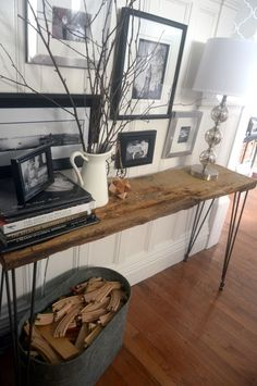 **** VERY COOL Live Edge Hairpin Leg Table DIY!!!!! with legs from hairpinlegs.com |foreverhoozingjoy.com