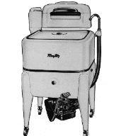 1940's maytag wringer washing machine | Maytag Washerhookedto farm service engine