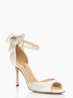 Love the bow! and it comes in white or light blue #weddingshoes #katespade #peeptoe