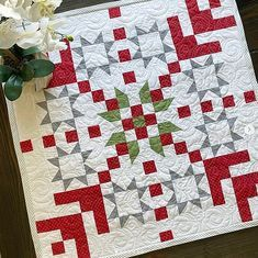 Christmas Quilting Projects, Christmas Quilt Patterns, Quilt Block Patterns, Quilt Blocks, Christmas Patchwork, Small Quilts, Mini Quilts, Colorful Quilts, Quilting Tutorials