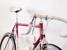 Creative Bicycle, Pitch, Design, Union, and Objects image ideas & inspiration on Designspiration Classic Road Bike, Classic Bikes, Garage Bike, Pink Bike, Baby Bike, Bike Details, Urban Bike, Cycle Chic, Cycling Bikes