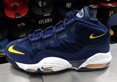 Nike Air Max Sensation Michigan Fab Five | SneakerNews.com