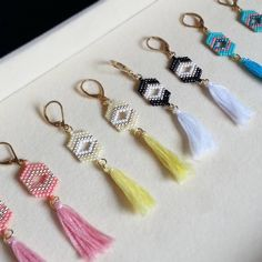 Boucles d'oreilles à pompons tissées en perles Miyuki