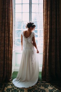 Mariage à Talloires Elise Hameau, Biarritz, Weeding, Perfect Wedding, Poppies, Marie, Wedding Inspiration, Wedding Dresses, Rhone