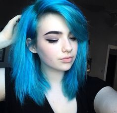 """((Bluehairdontcare)) """"Hey, I'm Carter. 17, single, but not looking. I'm just starting to focus myself, you know... Rebuilding my life. Just 2 months ago, I gave birth to a baby. No, I didn't keep him, and no, I'm not giving any more details on my personal life. Come say hi if you're actually interested in a depressed girl's situation"""""""