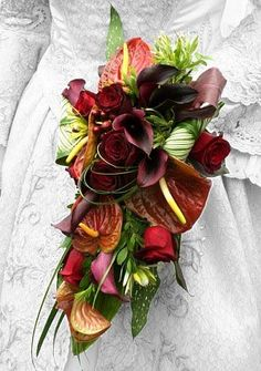 42 Unordinary Tropical Bouquet Bridal Ideas That Will Trendy In 2020 - Trying to decide on the perfect flowers for your wedding is never a very simple process. There are times when you are bound to be completely confused. Wedding Bouquets Pictures, Tropical Wedding Bouquets, Cascading Wedding Bouquets, Bridal Bouquet Fall, Fall Bouquets, Fall Wedding Bouquets, Fall Wedding Flowers, Floral Bouquets, Bridal Bouquets