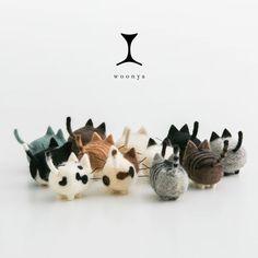 The logo here is so subtle and delightful / Woonya: Adorable Wool Felt Kitties Needle Felted Cat, Needle Felted Animals, Felt Animals, Cat Crafts, Diy And Crafts, Arts And Crafts, Diy Laine, Chat Crochet, Needle Felting Tutorials