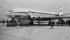 UAT De Havilland DH-106 Comet 1A F-BGSA (1953-11 Paris Le Bourget Cn 10615) | by Zanatany2b