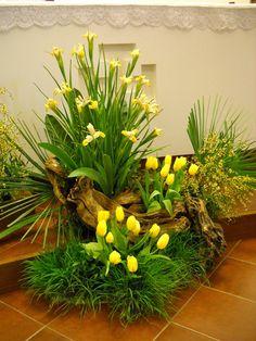 Church Flower Arrangements, Church Flowers, Floral Arrangements, Church Interior Design, Island Theme, Bouquet, Blessed Mother, Ikebana, Greenery
