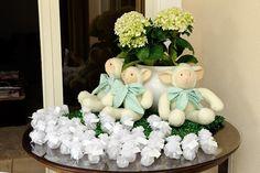 Decoração de Batizado de Menino Vende e Branco por Bella Fiore. Chistening of a Baby Boy green and white. Decor by Bella Fiore