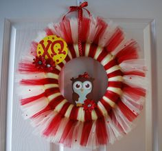 Chi Omega Tulle Wreath by CraftySratty on Etsy Owl Crafts, Diy And Crafts, Crafts For Kids, Arts And Crafts, Owl Wreaths, Holiday Wreaths, Diy Craft Projects, Projects To Try, Wooden Owl