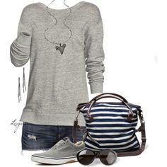 blusa dockers azul, pantalon semi claro viejo tennis blancos y collar de llave