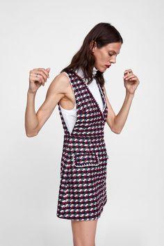 Imagen 4 de VESTIDO ESTRUCTURA CINTA de Zara Tweed Dress, Jumper Dress, Vogue Fashion, Fashion Show, Zara New, Street Look, Preppy Outfits, Asymmetrical Dress, Fashion Dresses