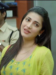 Shruti Hassan Images, Shruti Hassan Wallpapers, Beautiful Bollywood Actress, Beautiful Indian Actress, Beautiful Actresses, Stylish Girls Photos, India Beauty, Shruti Hasan, Indian Actresses