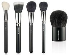 M·A·C Must-Have Brushes