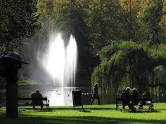 Samen buiten, samen genieten van de Poseidon Parkbank van Gardeluxe in het Wilhelminapark Utrecht.