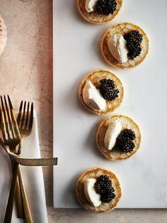 #globus #savoirvivre #delicatessa #weihnachten #noël #kochen #cuisiner #gourmet #feiern #fêter #festtage #joursdefêtes #italien #italie Doughnut, Desserts, Gourmet, Noel, Kitchens, Christmas, Cooking, Tailgate Desserts, Deserts