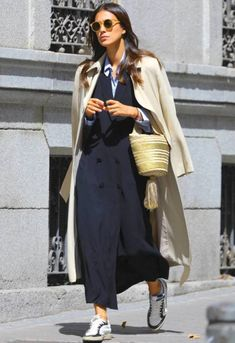 Hundreds of new looks updated every day! Casual Street Style, Street Chic, Casual Chic, Look Fashion, Trendy Fashion, Fashion Outfits, Classy Outfits, Casual Outfits, Effortlessly Chic Outfits
