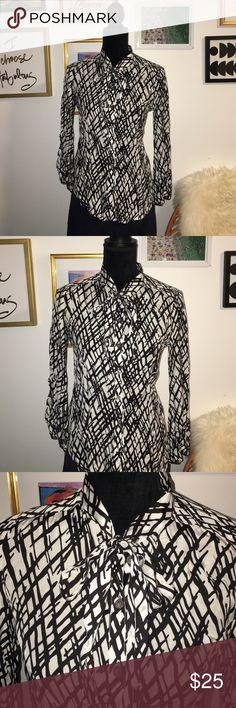 19f0f53b1ef Shop Women's Club Monaco White Black size SJ Tees - Long Sleeve at a  discounted price at Poshmark. Description: Club monaco longsleeve used  twice very good ...