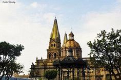 Costado de la catedral de Guadalajara  by Carlos Sanchez on 500px