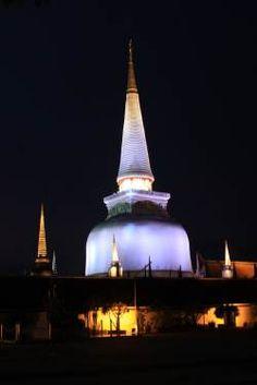 Wat Phra Mahathat Woramahawihan, Nakho Si Tjammarat