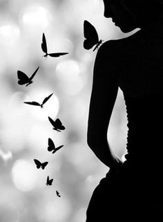 Black and White Photography - Butterflies and Girl - Silhouette Black N White, Black And White Pictures, Black Art, Foto Art, Belle Photo, Black And White Photography, Art Photography, Silouette Photography, Beautiful Pictures