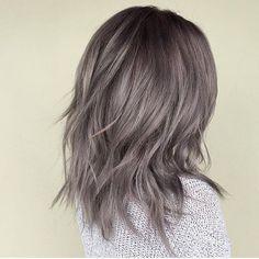 Metallic pearl grey. Wow. Color by @jamiekeikohair