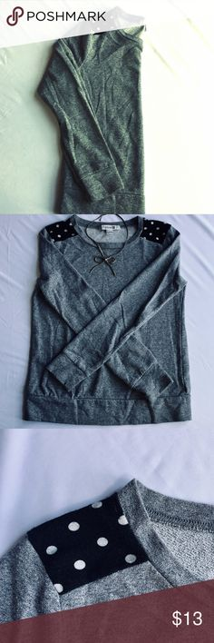 """Forever 21 Pullover Sweatshirt A lil polka for ya  Pre-owned Forever 21 Pullover Sweater Marled grey body  Black and white polka dot shoulder accent Good condition - no stains or holes Light to medium weight  Relaxed fit True to size Shoulders: 15ish"""" Pit to pit: 18ish""""  Sleeves: 23.5"""" Back of neck to bottom: 22ish""""  Bundle for discounts or make me an offer I can't refuse  ignore casual layering fall winter cozy warm burnout loose fitting Forever 21 Sweaters Crew & Scoop Necks"""