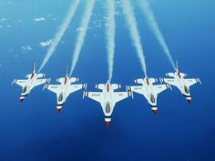 F-16's/USAF Thunderbirds...Awwww yeah! Thats it!! I still have Sky's replica of this plane that he used to play with .
