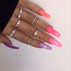 Want some ideas for wedding nail polish designs? This article is a collection of our favorite nail polish designs for your special day. Aycrlic Nails, Dope Nails, Glam Nails, Gorgeous Nails, Perfect Nails, Pretty Nails, Fabulous Nails, Pink Acrylic Nails, Pink Nails