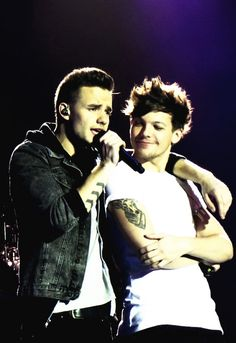 Liam & Louis lilo<3 One of my top 3 favorite bromances(;