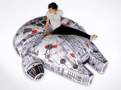 By Andrew Liszewski I almost feel bad about posting this amazing Millennium Falcon bean bag . Read more Custom-Made Millennium Falcon Bean Bag Chair Will Never End Up In A Galaxy, Or Living Room, Near You Nave Star Wars, Star Trek, Millennium Falcon, Star Wars Furniture, Geek Furniture, Furniture Design, Decoracion Star Wars, Star Wars Zimmer, Moda Geek