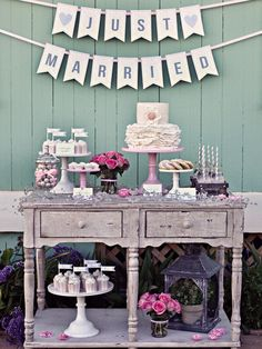 Google Image Result for http://img.diynetwork.com/DIY/2012/04/02/CI-Vicki-Lynn-Photography_Just-Married-Banner-Cakes_s3x4_lg.jpg
