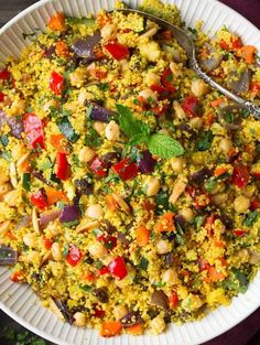 Moroccan Couscous Recipe (with Roasted Veggies) - Cooking Classy Couscous Dishes, Couscous Salad, Veggie Recipes, Salad Recipes, Chicken Recipes, Grilled Vegetables, Veggies, Comida Armenia