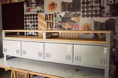 Quer transformar um armário velho em um rack com pegada industrial? Então vem!