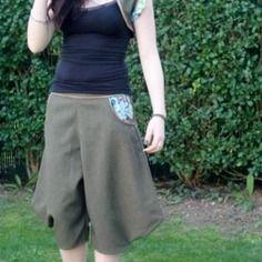 Ensemble sarouel boléro,original,habillé ,tissu peu froissable, taille 38