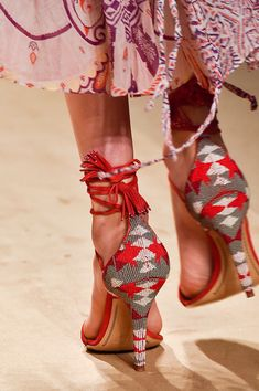 Beaded madness!! Etro at Milan Spring 2015 (Details)