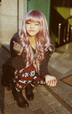 omg i want little pony hair Cute Fashion, Fashion Beauty, Asian Fashion, My Little Pony Hair, Cute Bangs, Lilac Hair, Lavender Hair, Long Hair With Bangs, Ulzzang Fashion