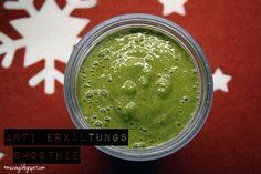 anti-flue-smoothie #vegan with banana, kiwi, kiwano, pomegranate, kale, cocoswater, ginger #greensmoothie bymuc.veg