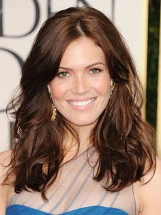 Mandy Moore - thick, glossy waves
