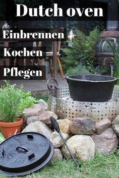 Kochen mit dem Feuertopf ist sehr einfach: Einen Dutch oven aus massivem Gusseisen kannst du einfach ins Feuer bzw. auf ein Bett aus glühenden Kohlebriketts stellen! #garten #grillen #dutchoven #kochen #selbst