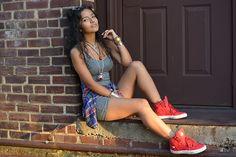 Dpz for girls Teen Photography, Fashion Photography Poses, Couple Photography Poses, Portrait Photography, Girl Senior Pictures, Poses For Pictures, Girl Photos, Girl Photo Poses, Picture Poses