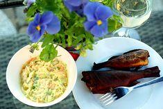 salát coleslaw z mladého zelí je křupavým, osvěžujícím doplňkem zdravého jídelníčku. Výroba je snadná a rychlá, výsledek chutnější než koupený v obchodě. Coleslaw, Guacamole, Benefit, Food And Drink, Vegetarian, Ethnic Recipes, Coleslaw Salad, Cabbage Salad