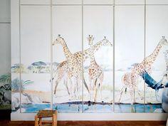 Como decorar el armario infantil con pintura, papel o vinilos ¡Fotos! Giraffe, Animals, 3d, Mural Painting, Kids Rooms, Kid Bedrooms, Felt Giraffe, Animales, Animaux
