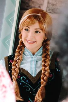 Disney Cosplay at its best! Sora at Disney World! Walt Disney, Anna Disney, Disney Cast, Disney Love, Disney Frozen, Disney Parks, Disney Cosplay, Frozen Cosplay, Disney Costumes