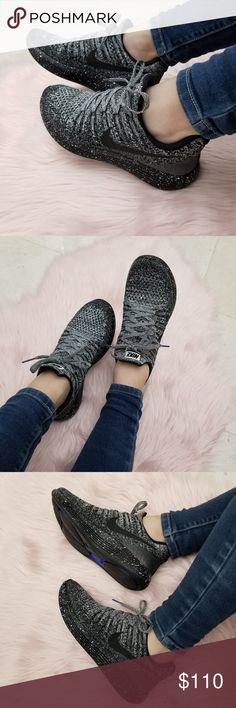 Nike Women's Lunarepic Low Flyknit 2 Running Shoes