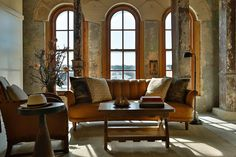 Former set designers Roman and Williams remodeled the glorieous Pearl Brewery into a 146 room luxury hotel that invites visitors to fully immerse themselves in San Antonio's historic past.