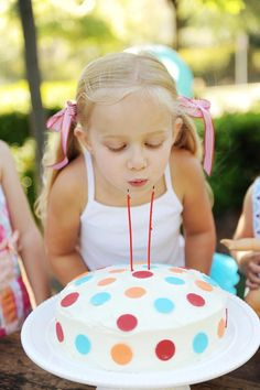super easy polka dot cake!